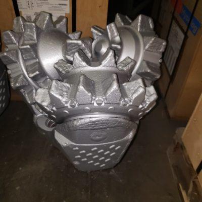 17 1/2 Hughes MXL-1 Like new IADC 115 tooth tricone bit